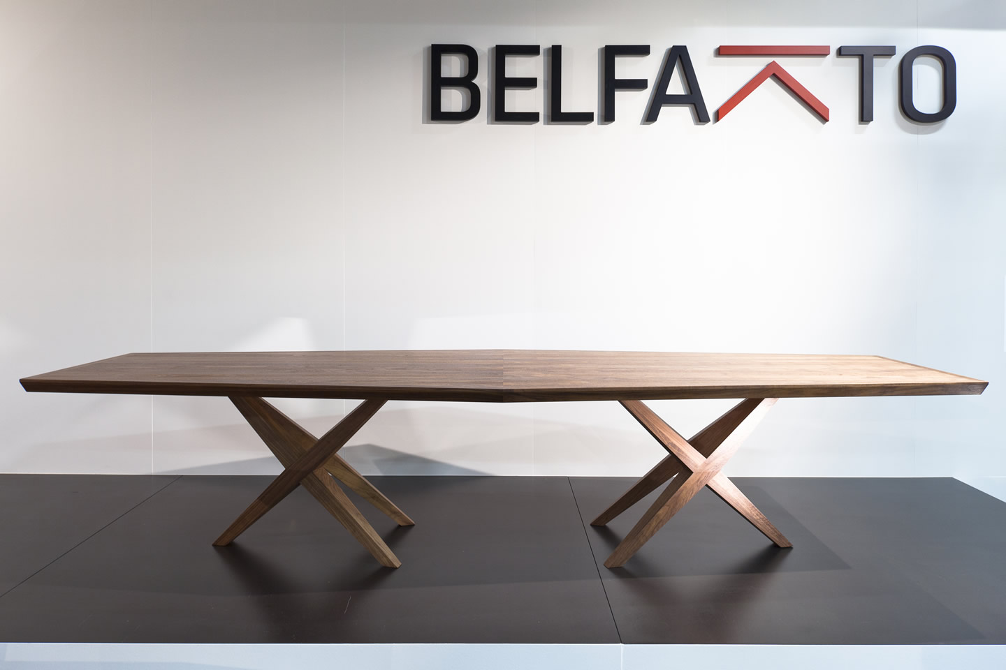 BELFAKTO<br>tables made with passion