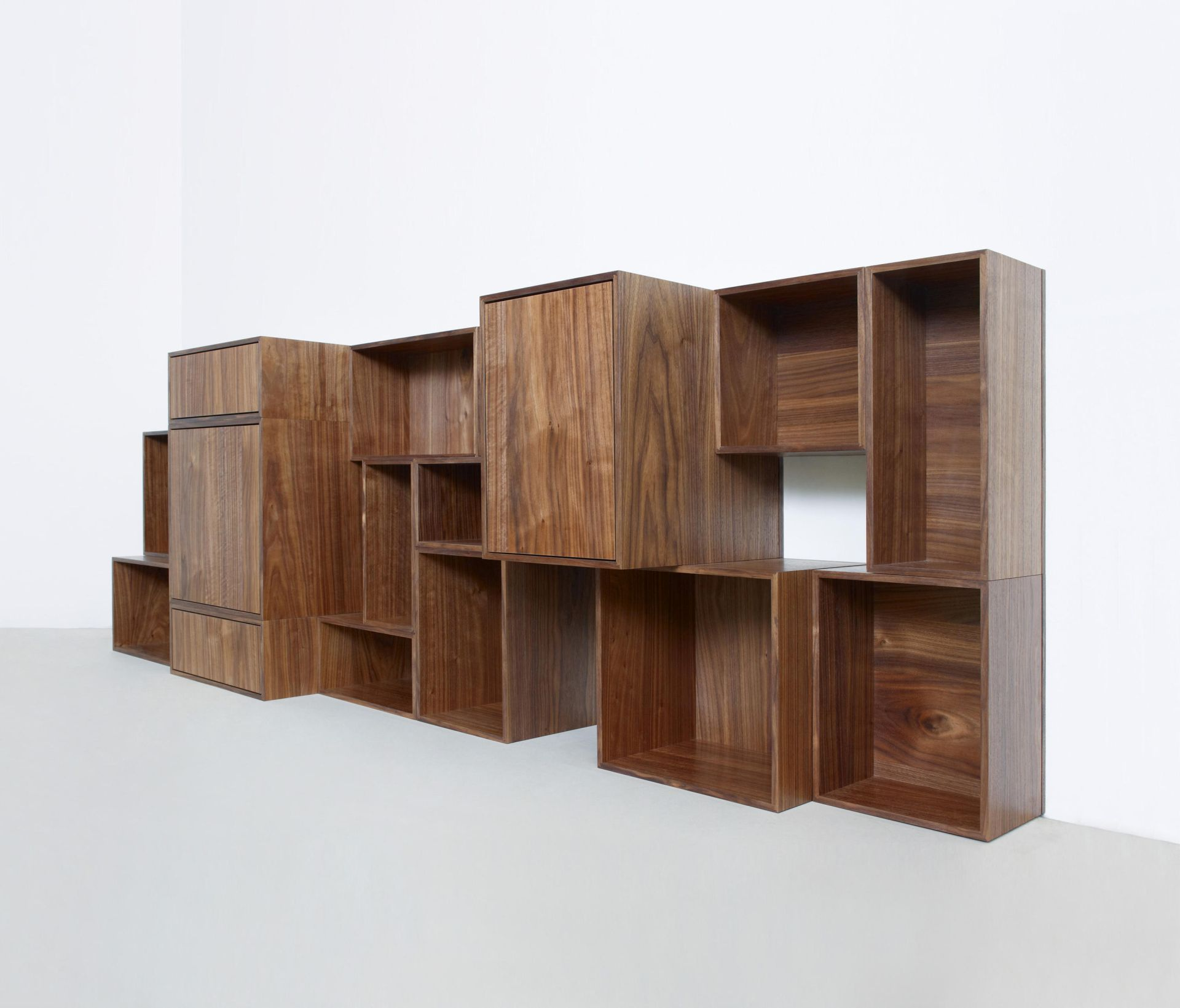 cubit_shelf-walnut