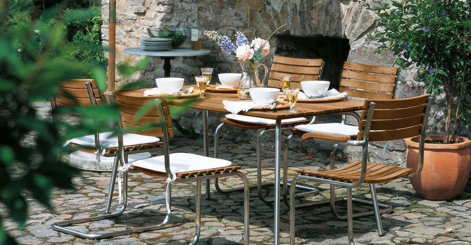 THONET<br>global leader in design classics
