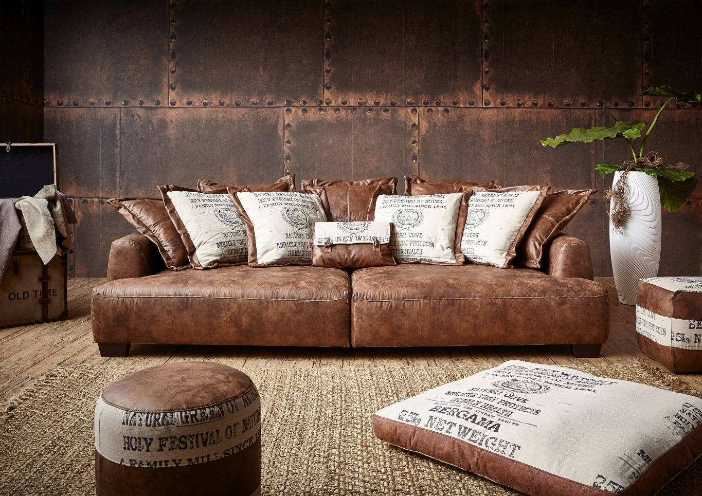 TOMMY M<br>luxurious upholstery - finest sofas