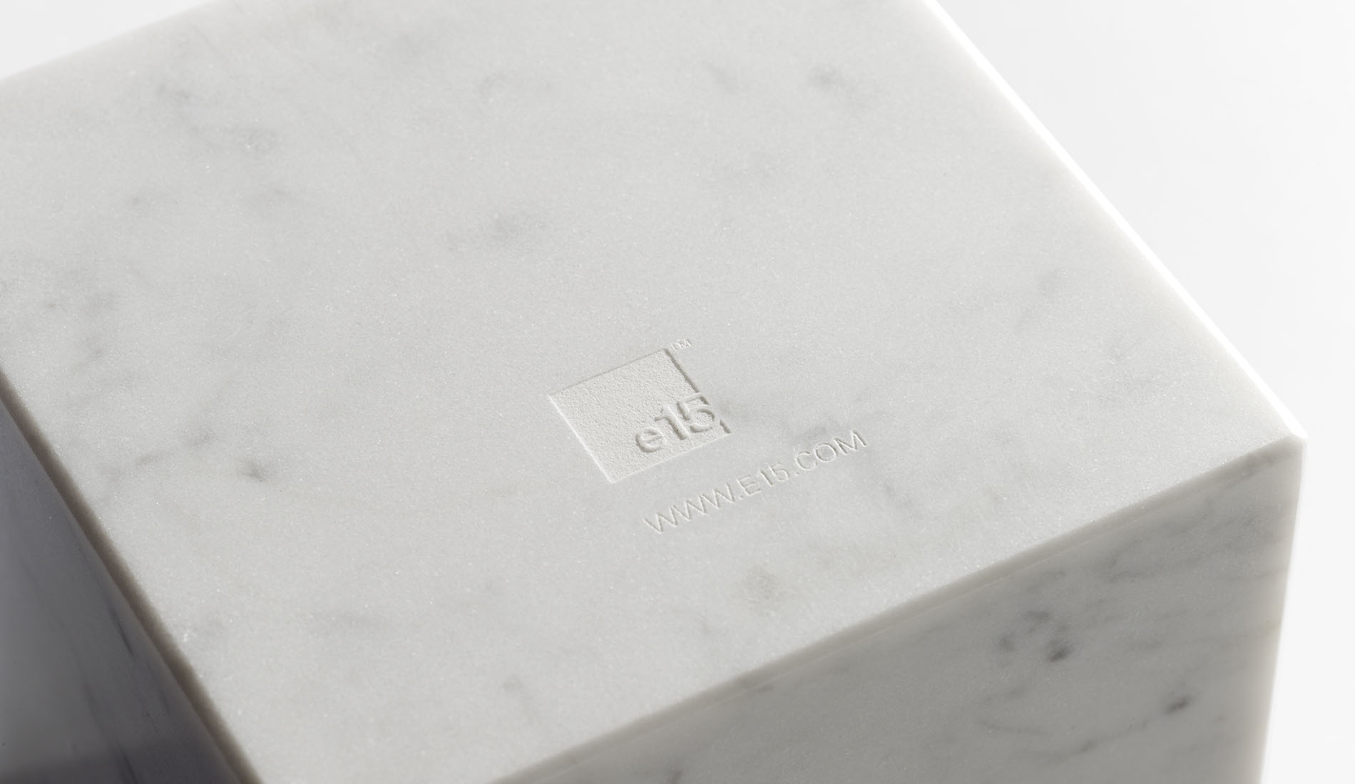 e15_bookend-white-marble